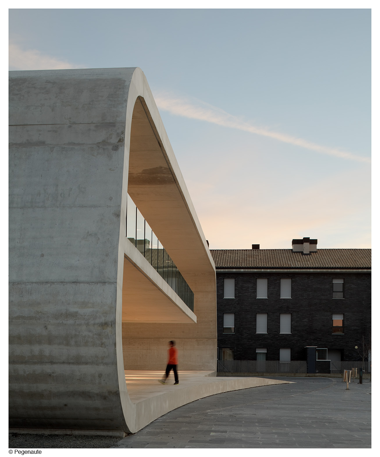 Edificio dotacional Cordovilla 4