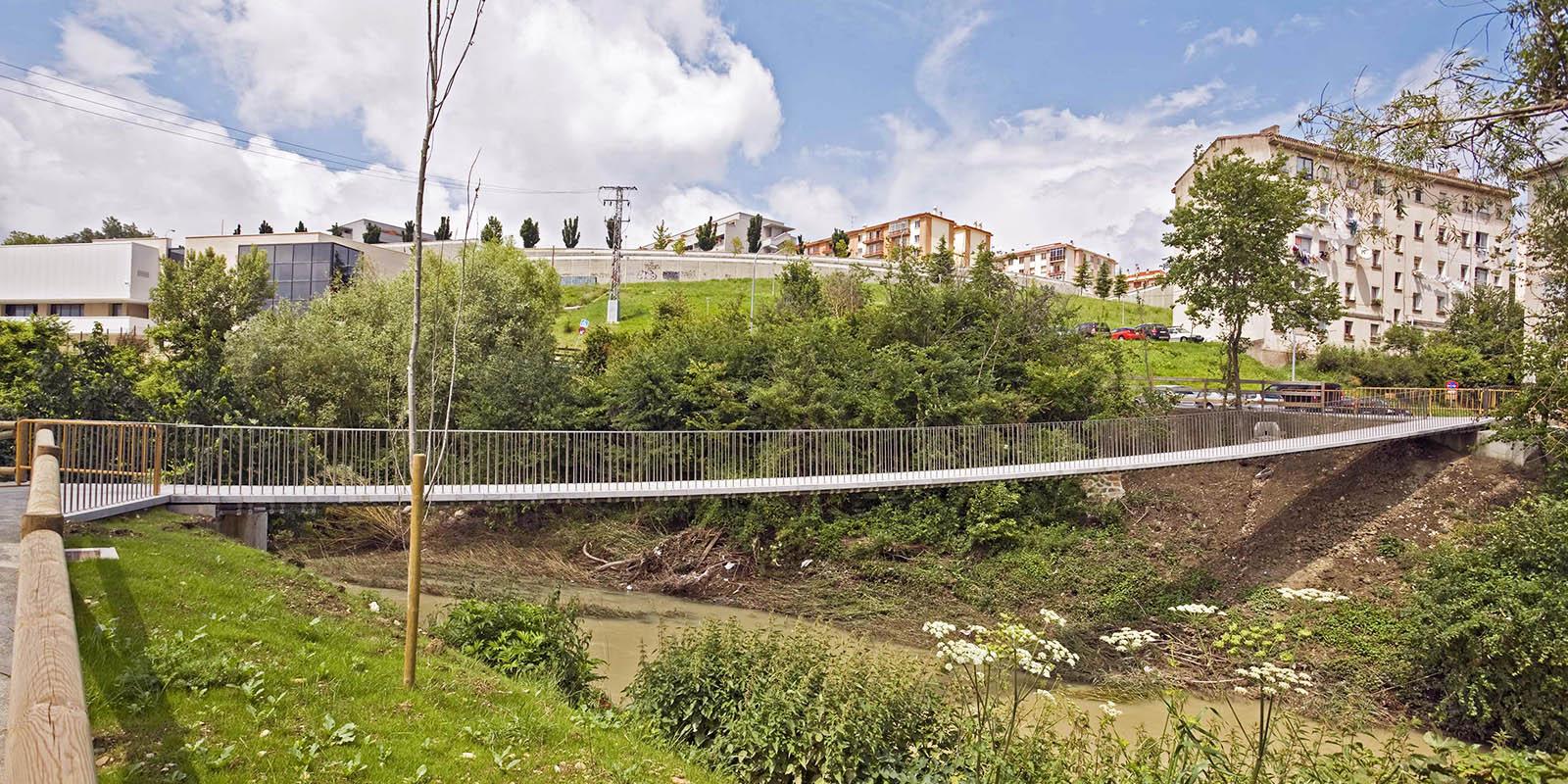 Pasarela Echavacoiz sobre río Sadar