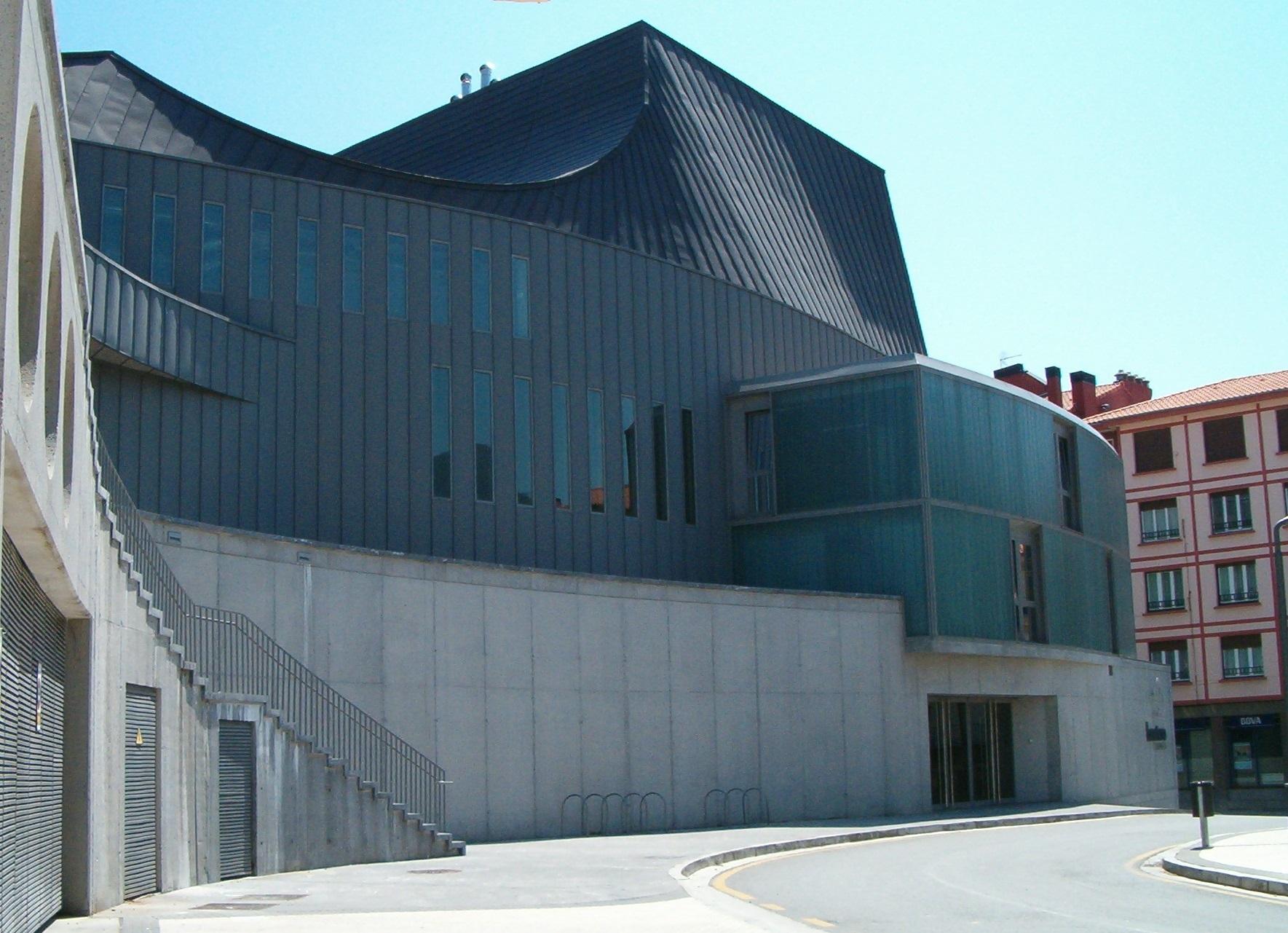 Centro Cultural Bastero 3
